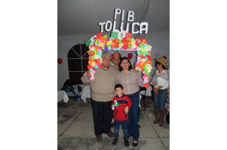 Seccion_12_galeria__imagen_10_noche mexicana gente